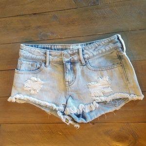 Bullhead low-rise denim shorts